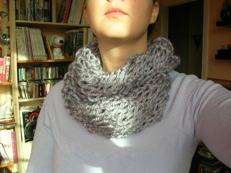 Snood tricot doigt