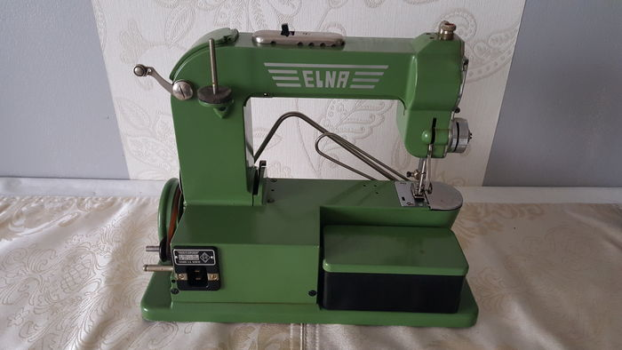 Machine à coudre elna 110v